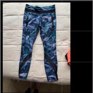 Size 6 lululemon yoga pants!